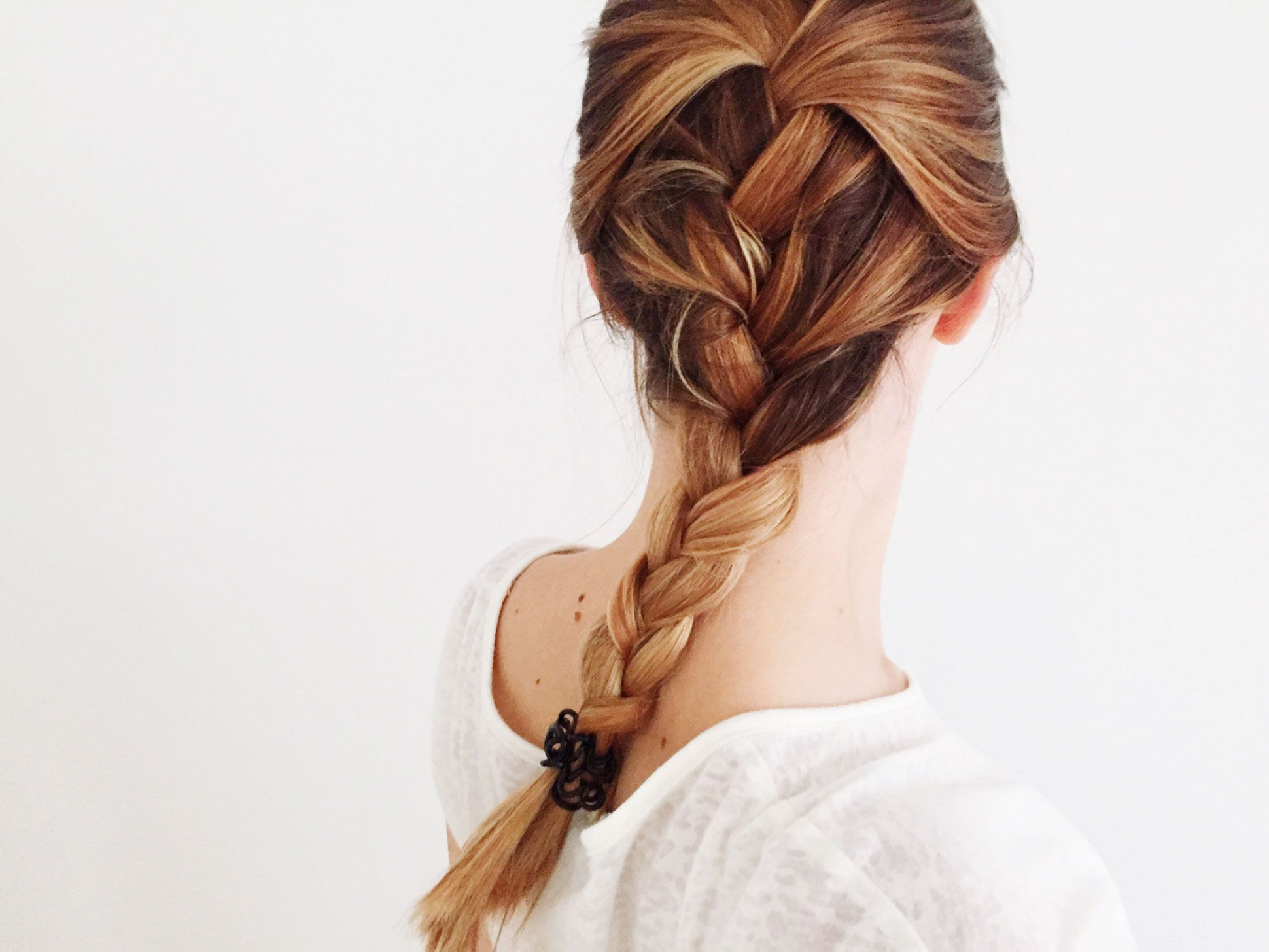 How to French Braid Your Own Hair – Braiding Tutorial for Beginners