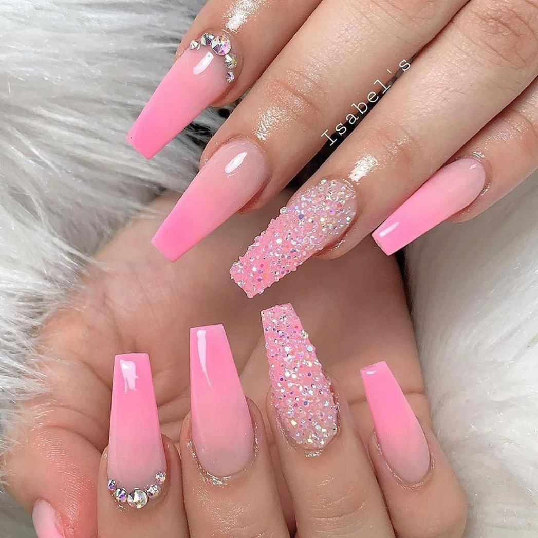 Nails - more cool line up of nail images. These seriously handy