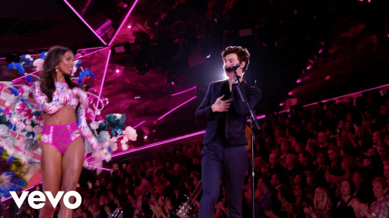Shawn Mendes - Lost In Japan (Live From The Victoria's Secret 9 Fashion  Show)