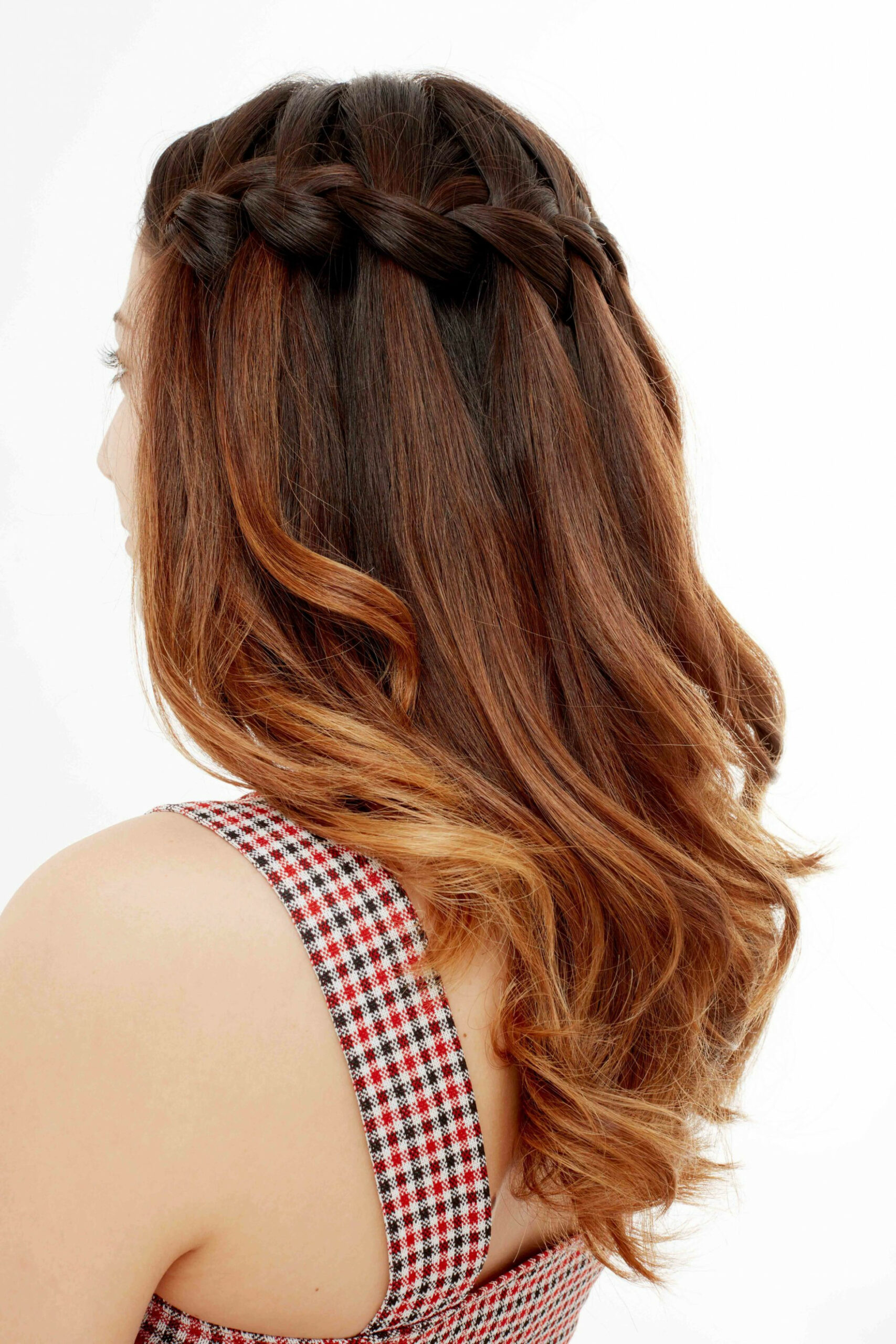 10 Wedding Guest Hairstyles That'll Make You The Chicest Attendee