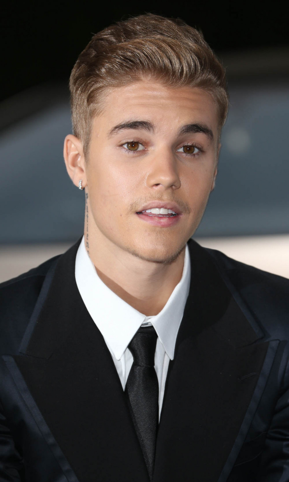 Best Justin Bieber Haircuts & Hairstyles