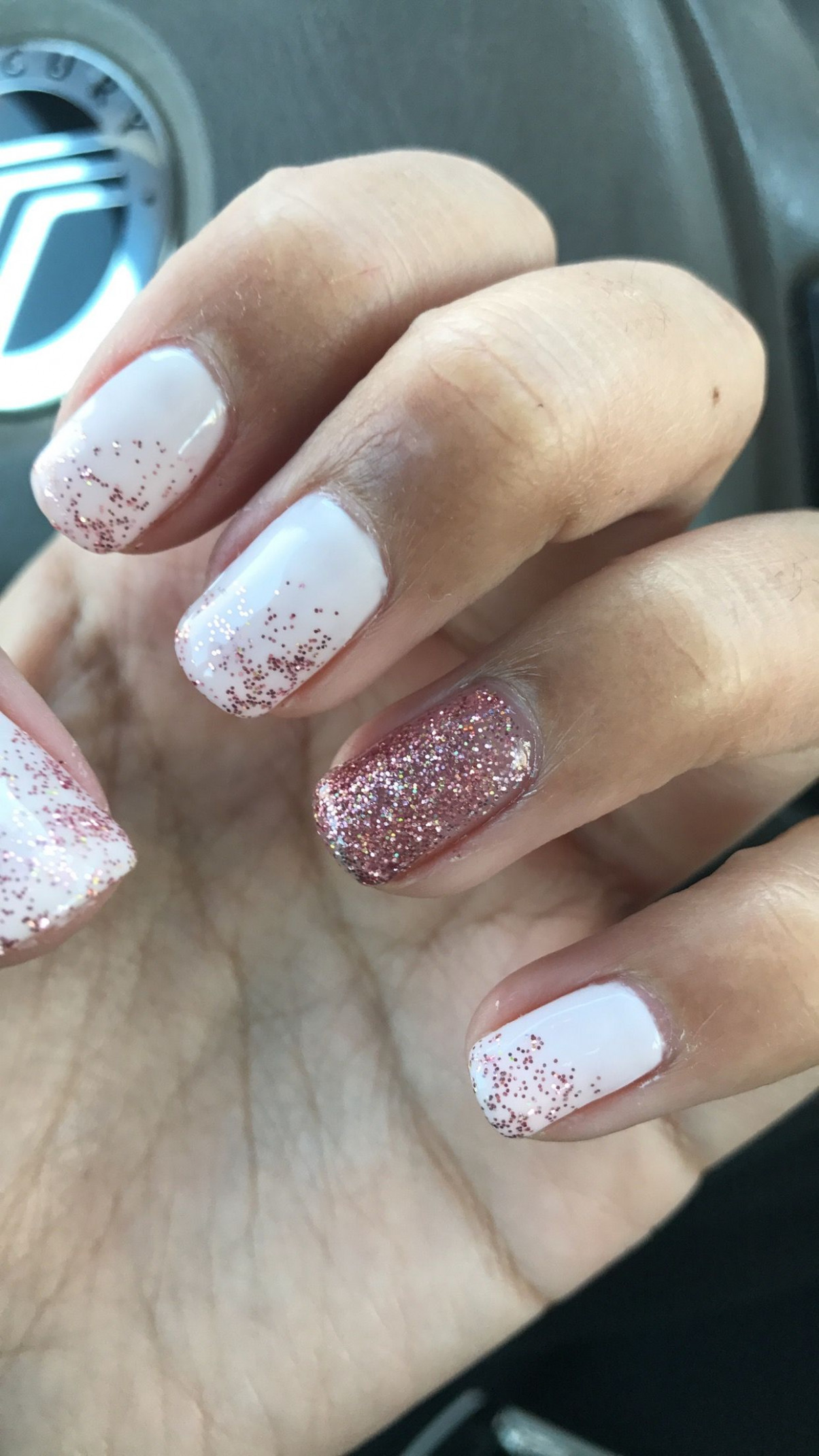 Cute nails, pink, soft pink, ombré, glitter, shellac, real nails