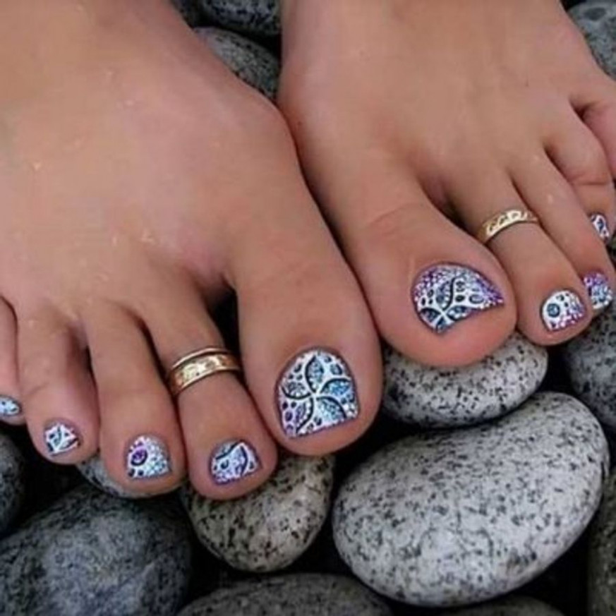 Fun Summer Pedicure Ideas to Make Your Feet Stand out