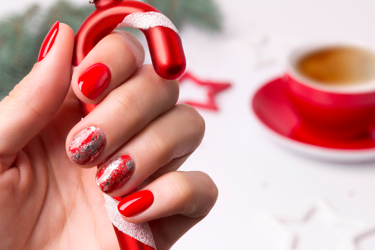 11 Festive Christmas Nail Art Ideas - Easy Designs for Holiday Nails