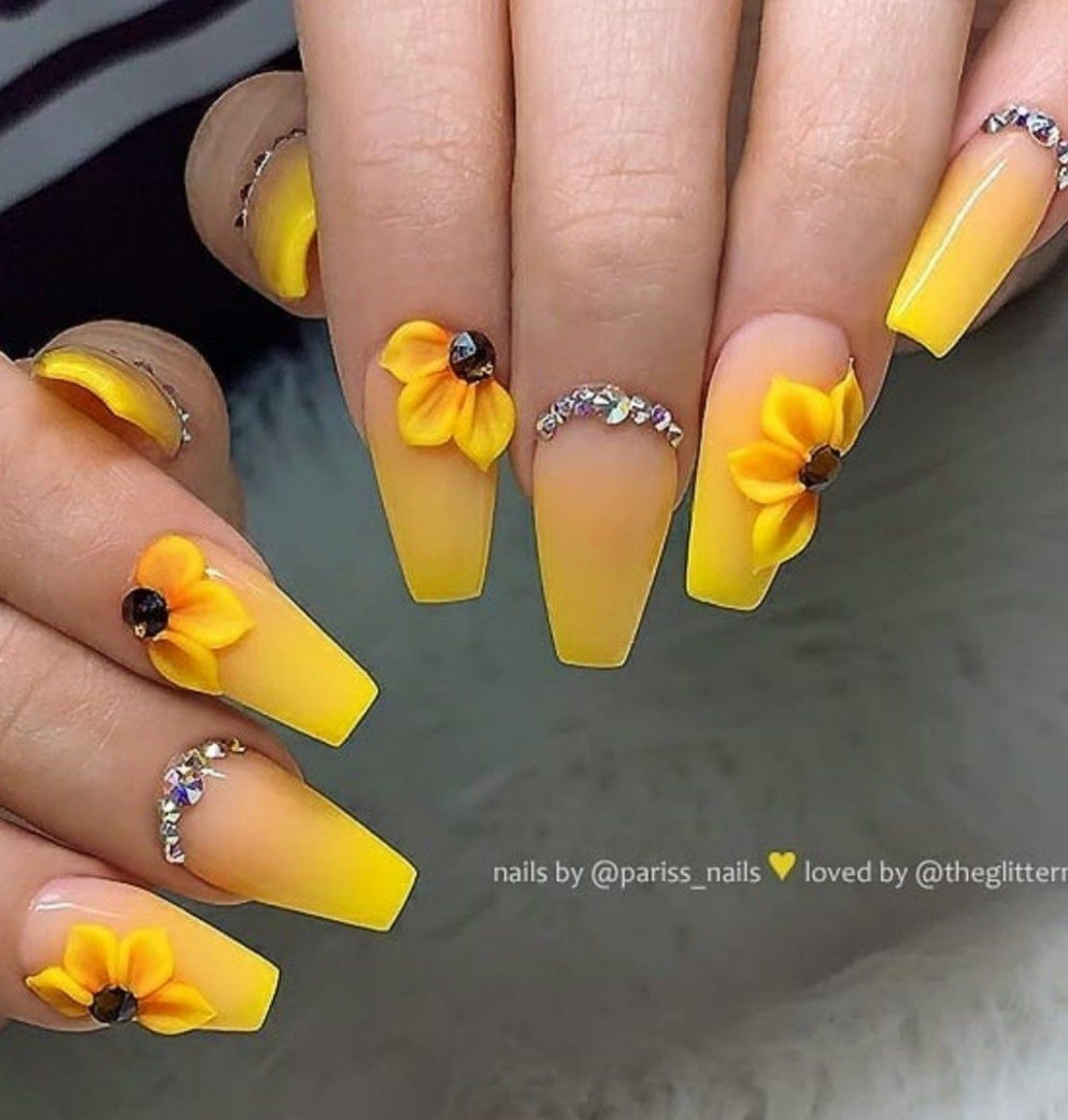 Lovely Spring And Summer Nail Designs Ideas In 9  Yellow