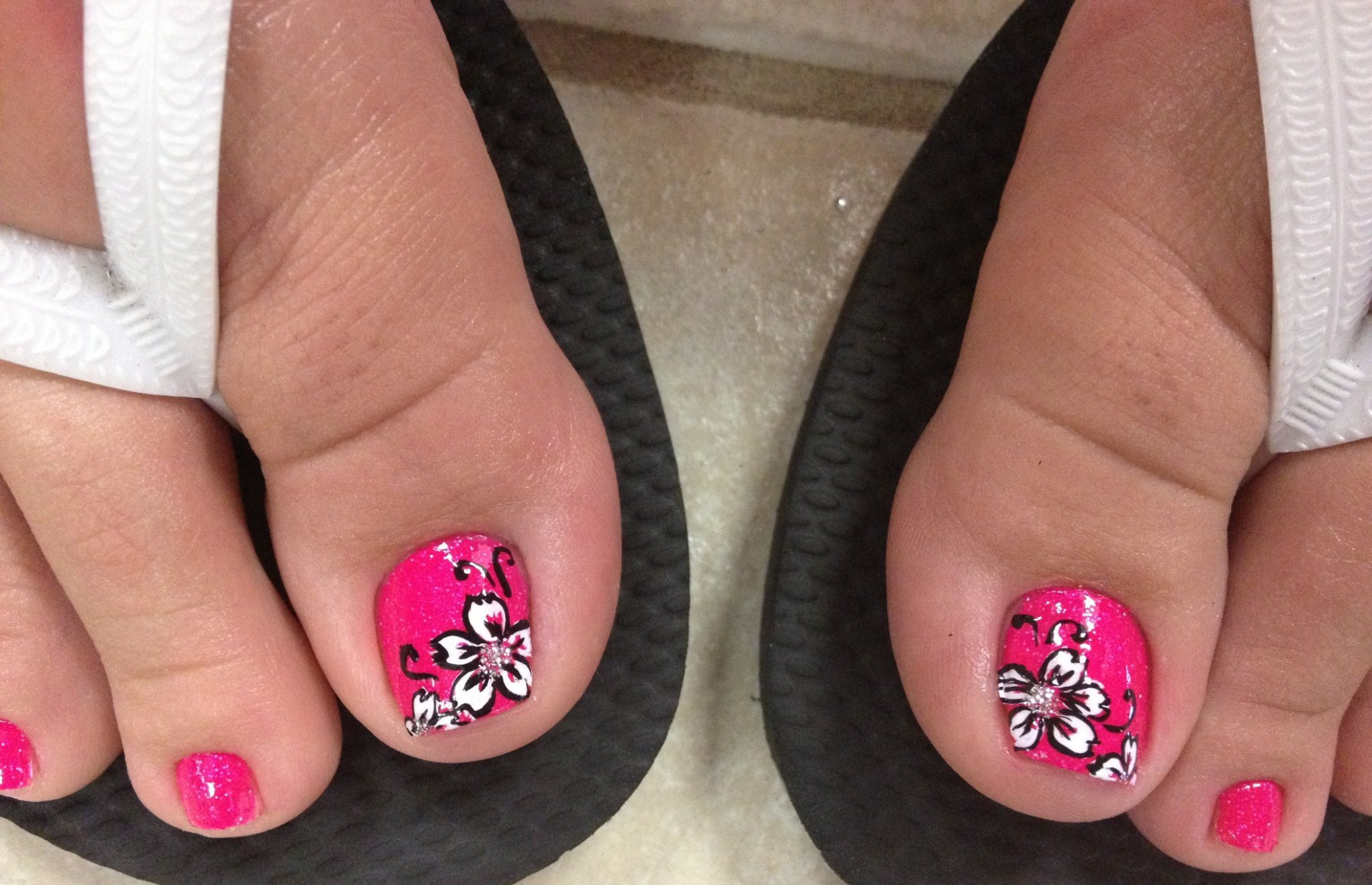 Pin by Hurricane on YOU NAILED IT!  Flower toe nails, Toe nails